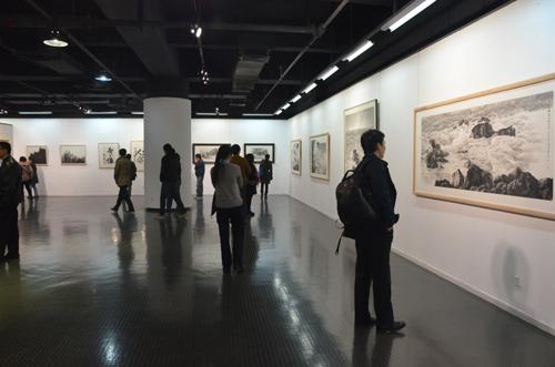 天津美术学院首届教师作品双年展现场