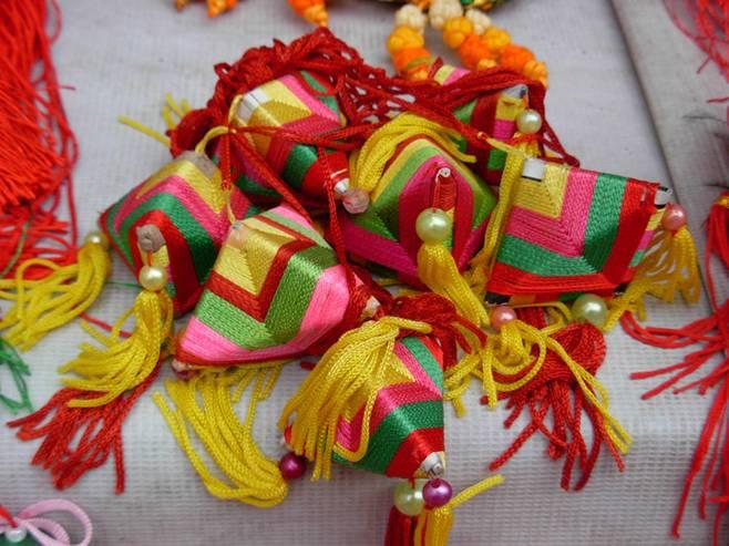 小学生手工制作线彩香包