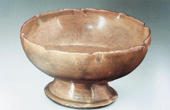 婺州窑 青黄釉高喇叭形圈足茶盏