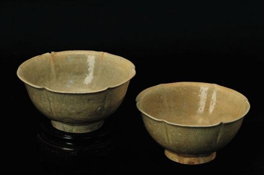 婺州窑 六出筋花口淡青釉茶盏 高4.5cm