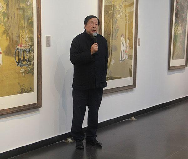 北京師範大學美術與設計系主任古棕現場致辭。