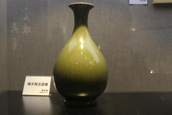 中国人尚青,青为东方之色,中国陶瓷史大半与青相关