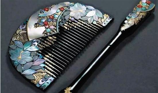 大漆莳绘螺钿工艺梳子
