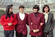 老照片:13亿人的40年人民创造了历史,同时也回馈了自己的生活。40 年间,中国从综合国力到社会面貌,从文化建设到日常生活,特别是中国的百姓生活发生了翻天覆地的变化。【详细】