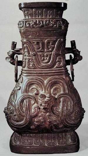 ...从距今七千多年的新石器时代,先民们对原始龙的图腾崇拜,到今