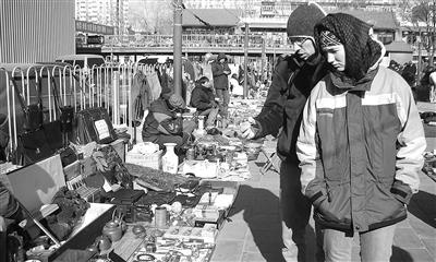 走近全国最大古玩交易市场:北京潘家园旧货市场